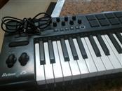 M AUDIO Synthesizer AXIOM-25